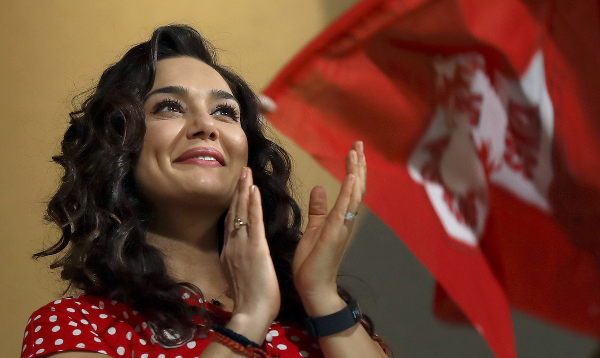 More Bollywood star power. How can you keep KXIP co-owner Preity Zinta out of action? Image credit: Sandeep Shetty/SPORTZPICS