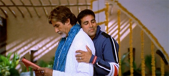 Amitabh Bachcan and Akshay Kumar in 'Waqt: The Race Against Time'.