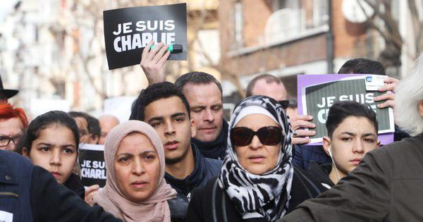 Why Macron's statement on the Islamist attacks pushes France's six million Muslims into a corner