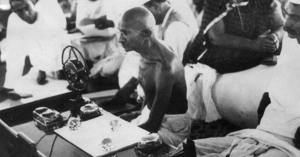 जब महात्मा गांधी ने राष्ट्रीय स्वयंसेवक संघ के एक शिविर को संबोधित किया...