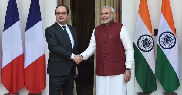 'अब कहीं मोदी सरकार फ्रांस्वा ओलांद को फ्रेंच नक्सल घोषित न कर दे!'