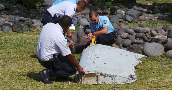 Flight MH370: New satellite photos may help narrow location of missing aircraft