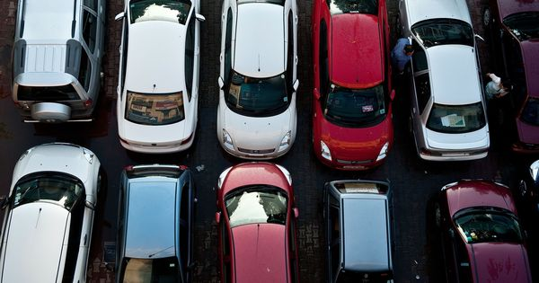 अगर आप कुछ समय से कार खरीदने का मन बनाए हुए हैं तो जीएसटी आपके लिए अच्छी खबर लेकर आया है