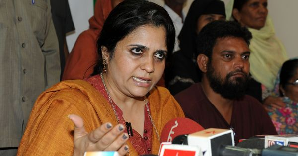 Supreme Court dismisses Teesta Setalvad's plea seeking to unfreeze her bank accounts