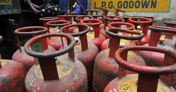 Price of subsidised LPG raised by Rs 4.6, non-subsidised cylinders by Rs 93 to Rs 94