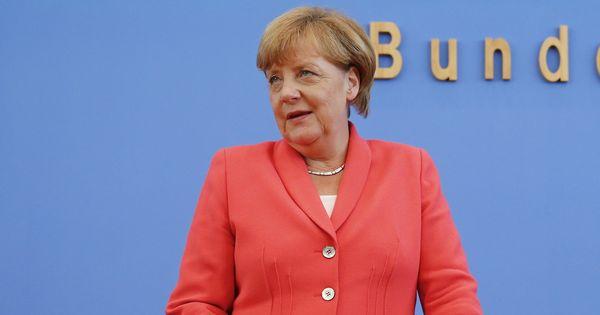 जर्मनी में अंगेला मर्केल की लगातार चौथी जीत होने सहित दिन के बड़े समाचार