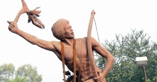 बिरसा मुंडा : जिनके उलगुलान और बलिदान ने उन्हें 'भगवान' बना दिया