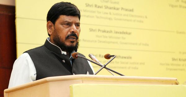Maharashtra: Union minister Ramdas Athawale slapped at an event in Thane