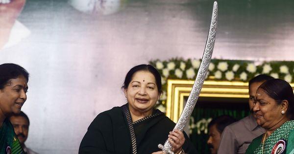 जयललिता को राजनीति पसंद नहीं थी, पर एमजीआर की एक बात ने उन्हें इसमें आने के लिए मजबूर कर दिया