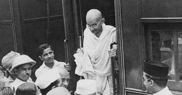 जब महात्मा गांधी से बंदूक का लाइसेंस दिलवाने के लिए कहा गया था