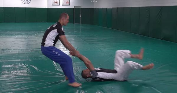 Watch: How to defend yourself against attempts to drag you out of a plane