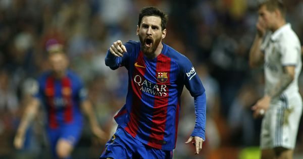 Lionel Messi hits last-minute winner to seal Barcelona's thrilling El Clasico win