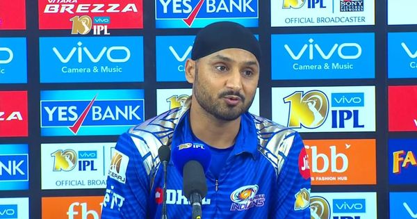 IPL 10: Rohit Sharma did not shout at the umpire for not giving a wide, says Harbhajan Singh