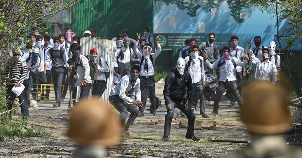 कश्मीर में पत्थरबाजों पर दर्ज केस वापस लेने की जल्द आने वाली योजना सहित आज के ऑडियो समाचार