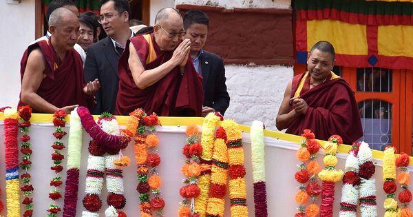 क्या अमेरिका अगले दलाई लामा के चुनाव को लेकर चीन को हद में बांधना चाहता है?