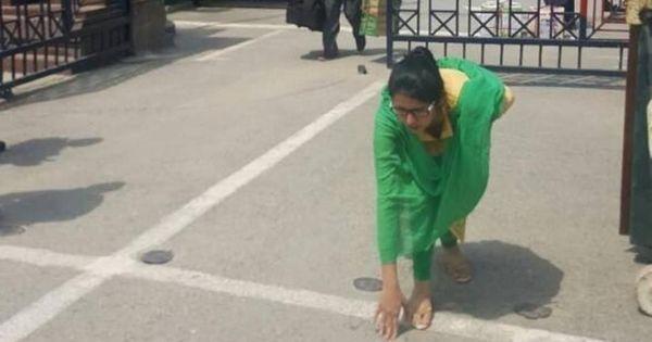 पाकिस्तान में बंदूक की नोक पर शादी करा दिए जाने का आरोप लगाने वालीं उज़्मा अहमद भारत लौटीं