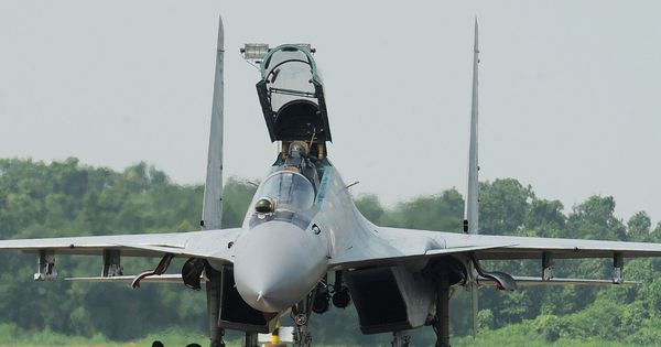 Bengaluru residents puzzled by mysterious 'boom', defence ministry clarifies it was fighter plane