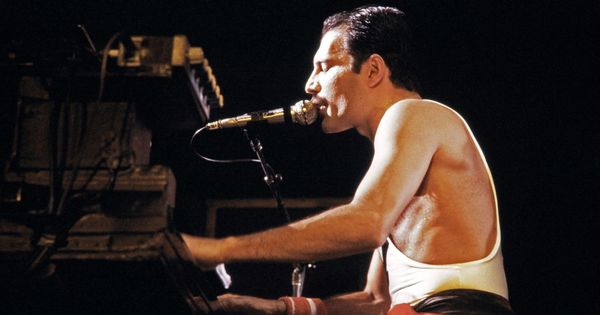 'Mr Robot' star Rami Malek to play Freddie Mercury in Queen biopic 'Bohemian Rhapsody'