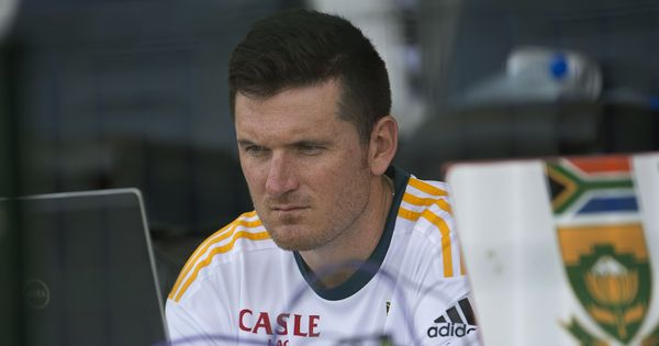 Graeme Smith pulls out of race to become director of Cricket South Africa