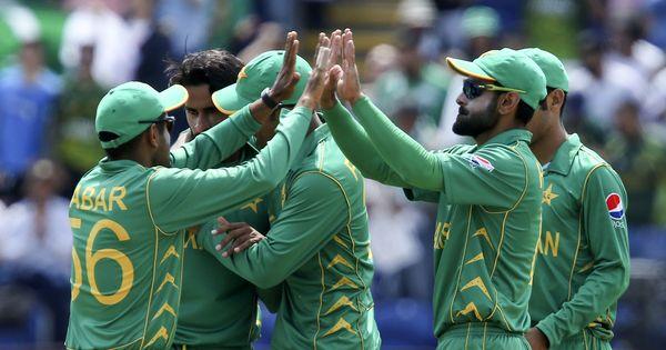 पाकिस्तान का इंग्लैंड को बड़ा झटका, आठ विकेट से रौंदा