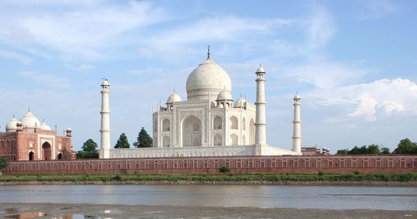 Agra storm brings minaret at Taj Mahal gate crashing down, 15 killed in different parts of district