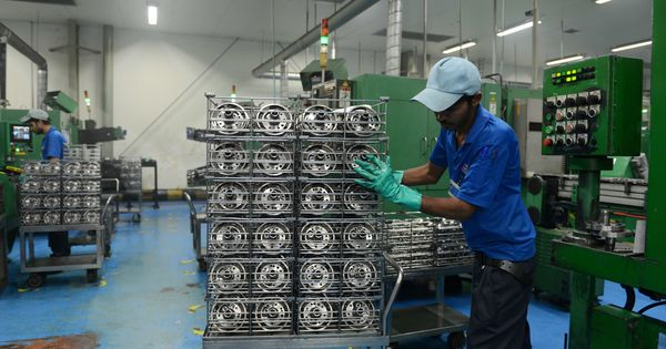 अर्थव्यवस्था की मंदी को लेकर सवालों से घिरी मोदी सरकार के लिए यह खबर बड़ी राहत बनकर आई है
