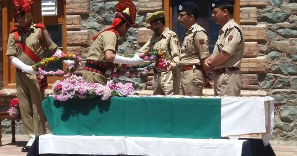 Kashmir: Police officer lynched in Srinagar, two arrested