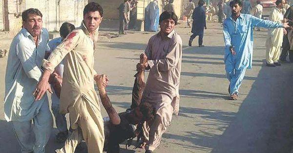 पाकिस्तान के तीन शहरों में आतंकी हमले, 62 लोगों की मौत, 100 से ज़्यादा घायल