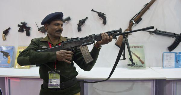 ऑर्डिनेंस फैक्ट्रियों के खराब हथियारों से सेना को नुकसान हो रहा है : सीएजी