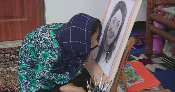 Watch: This disabled teenager sketches with her mouth and the detailing in her art is incredible