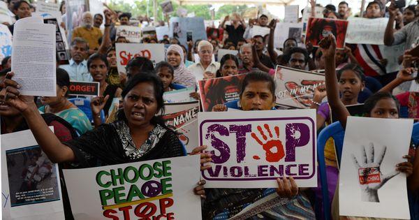 Delhi: Mob attacks six men who were transporting buffaloes