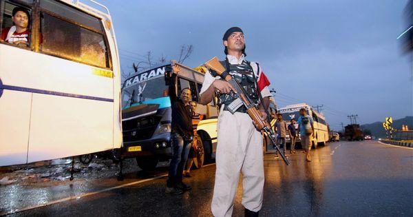 जिस एनएच-44 को कश्मीर के लोगों और सैनिकों का जीवन आसान करना था वह इतनी बड़ी मुसीबत कैसे बन गया?