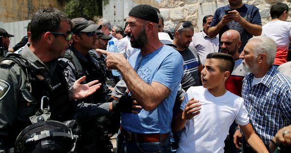 Israel: 50 Palestinians injured in clashes after protests against security measures at Temple Mount