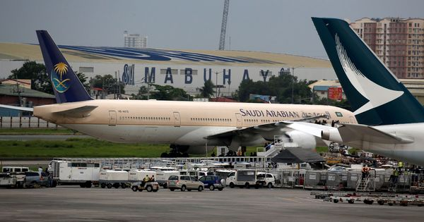 US lifts laptop ban on Riyadh, the last of 10 airports affected by the embargo