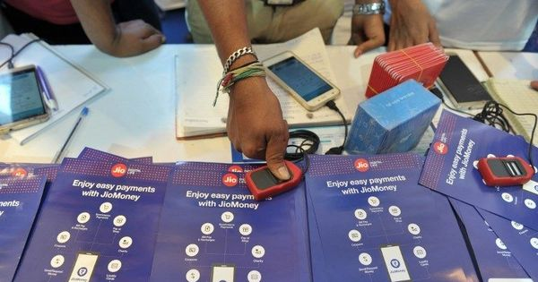 Centre admits there was no Supreme Court order on mandatory Aadhaar-mobile number linking