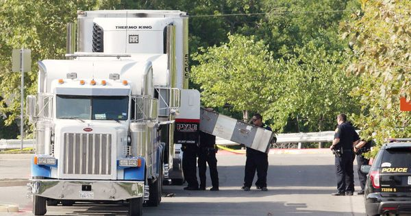 Texas: Nine found dead in an overheated truck in a suspected case of human trafficking