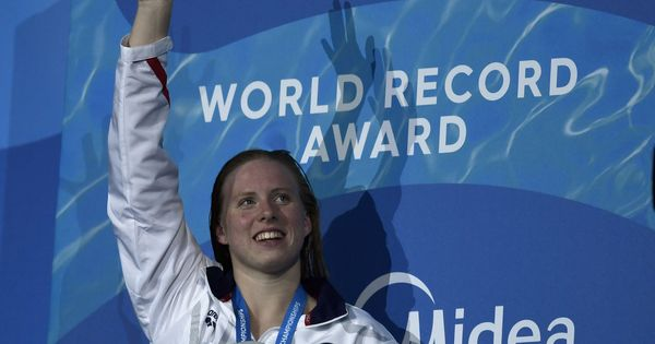 Lilly King breaks women's 100m breaststroke record at the World Championships
