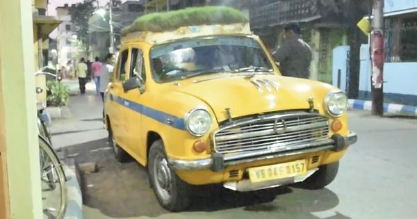 Watch: This Kolkata taxi called 'The Green Chariot' has an actual rooftop garden