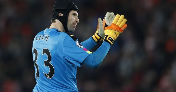 Premier League: Chelsea register retired Petr Cech in their squad, Arsenal leave out Mesut Ozil