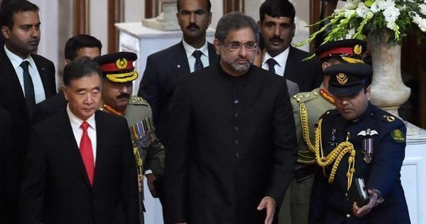 International community must play its role in resolving the Kashmir issue, says Pakistan PM