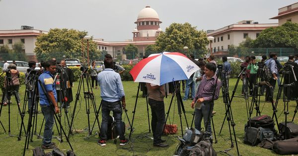 SC extends its order directing Gujarat court not to proceed with defamation case against The Wire