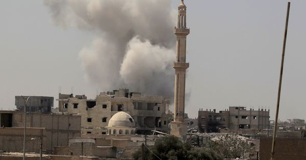 US-backed forces, Syrian Army advance on Islamic State territory in Syria