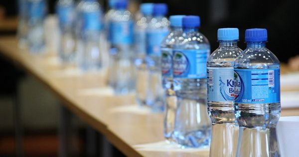 Maharashtra to ban plastic bottles in all government offices, schools and colleges from March