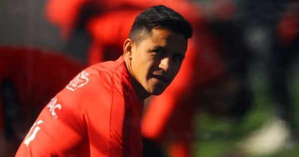 Mourinho admits for the first time there's a chance Sanchez could join Man United