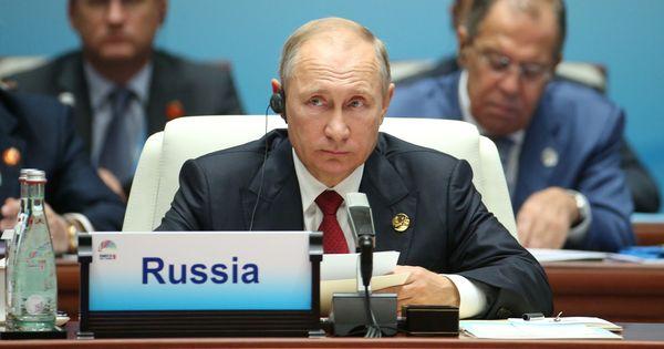United States imposes sanctions on 24 Russians close to Vladimir Putin