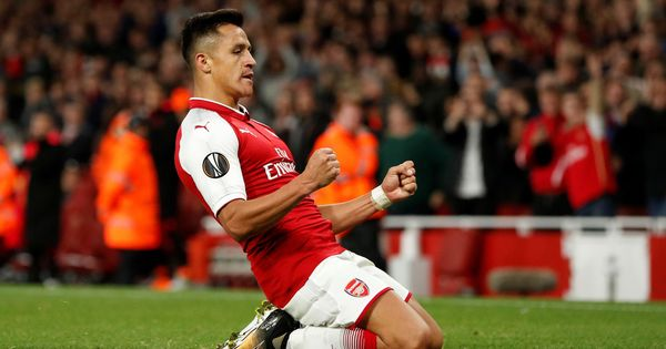 Goal of the night: Alexis Sanchez lights up Thursday Night football on Twitter
