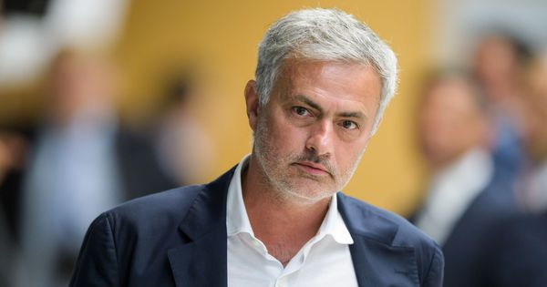 Mourinho meets Tottenham squad for first time since becoming boss, new-look backroom staff in place