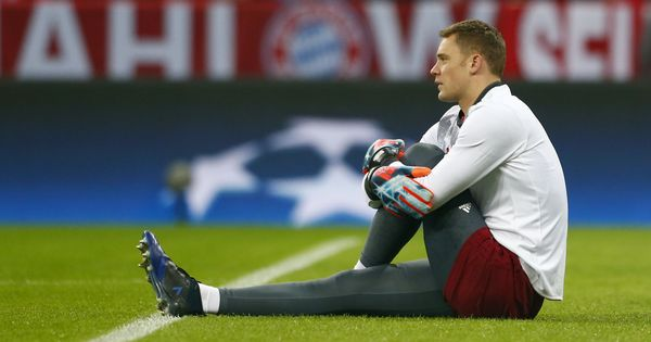 Bayern Munich goalkeeper Manuel Neuer out until January after foot surgery