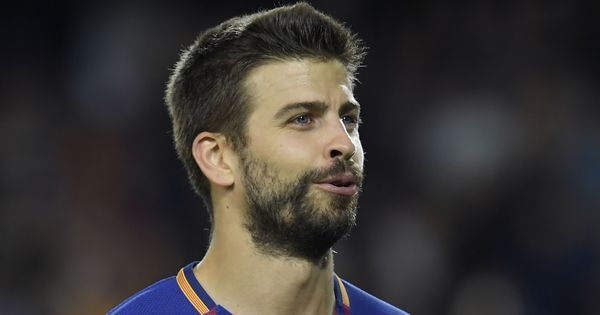Gerard Pique extends stay at Barcelona, signs deal till 2022