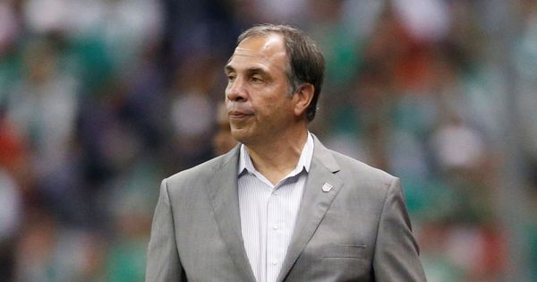 Bruce Arena resigns as USA coach after World Cup qualification failure